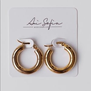 25mm diameter Gold Chunky Hoop Earrings